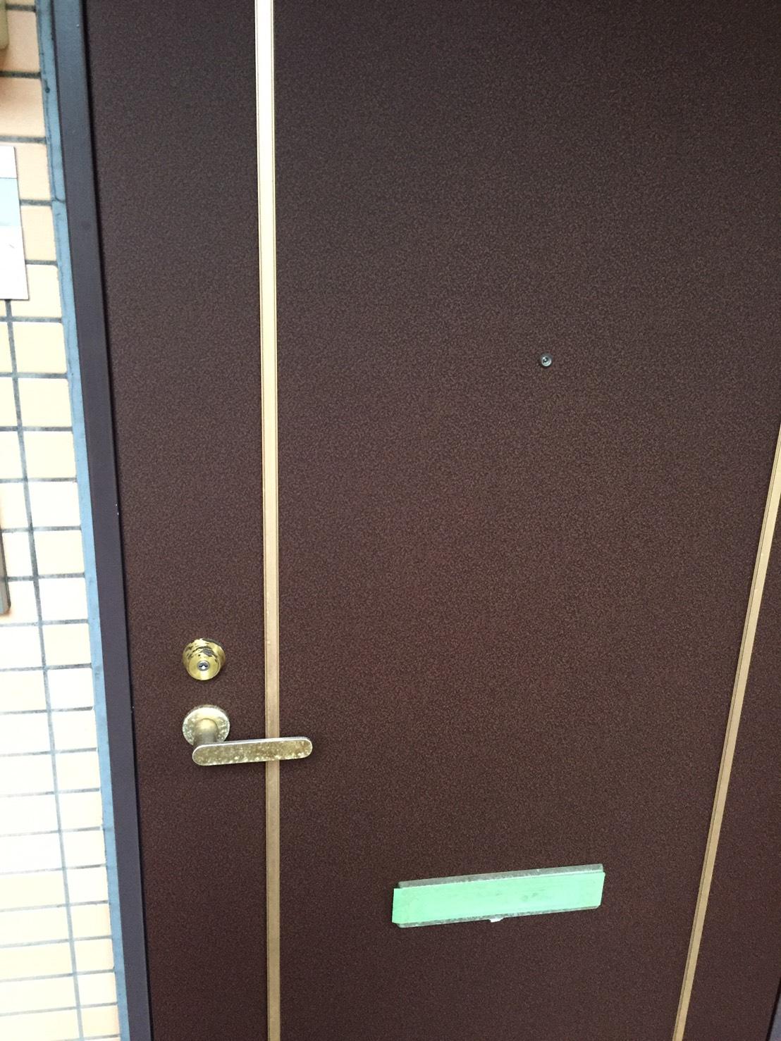 大和市 賃貸マンション35所帯玄関扉ダイノックシート張替え