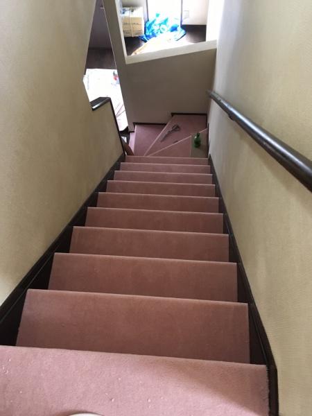 川崎市高津区 階段カーペット貼替工事